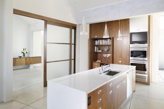 gleittüren für innen wand decke eingebaut küche kochinsel