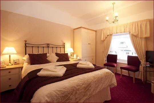 Burgundy And Cream Bedroom Home Safe