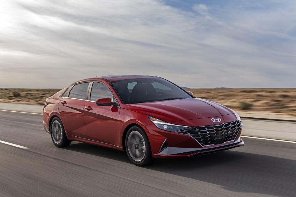 2021 Hyundai Elantra Sedan Looks Good Adds A Hybrid Version Elantra Hyundai Elantra Hyundai Veloster