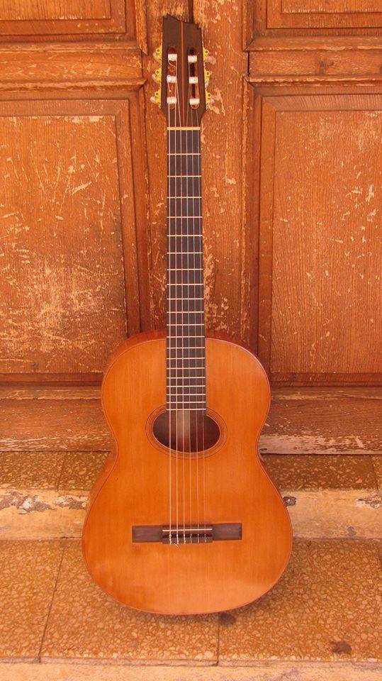 Guitarra de algarrobo hecha por lucas carrera luthier con for Guitarras de luthier
