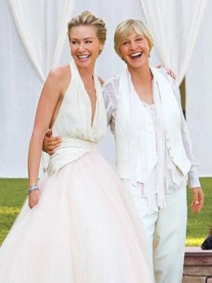 Aw! 15 Adorable Lesbian Couples - AfterEllen
