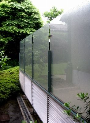 名称を考案中 ポリカーボネートのデザインフェンス 自 然 建 築