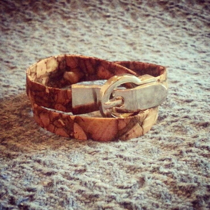 Armband aus Kork mit Magnetverschluss #youngandcheeky #Handmade