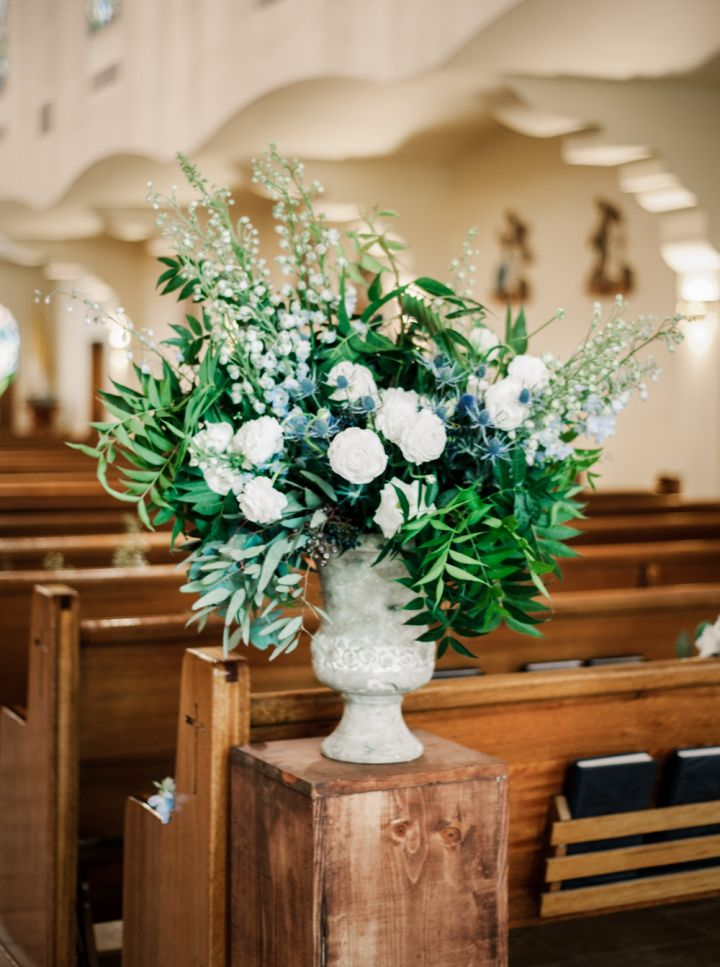 Flower arrangement for Church wedding #churchwedding #traditionalwedding