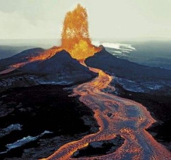 Mauna Loalocated In Hawaii 1 Of D Most Active Volcanoes World