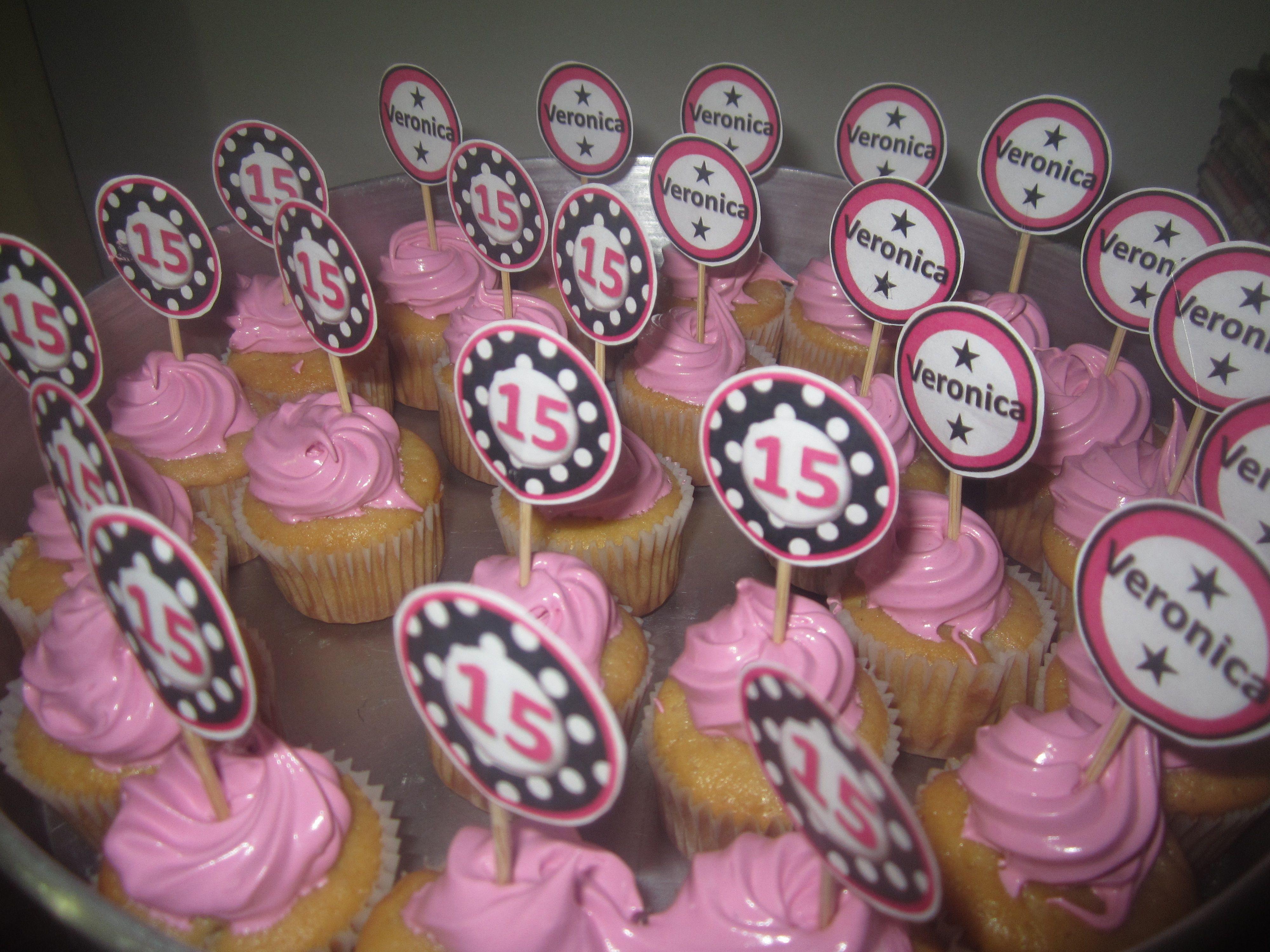 Quinceañera / Sweet 16 Mini cupcakes/ Pink Black / Mini cupcakes 15 años Fucsia y Negro