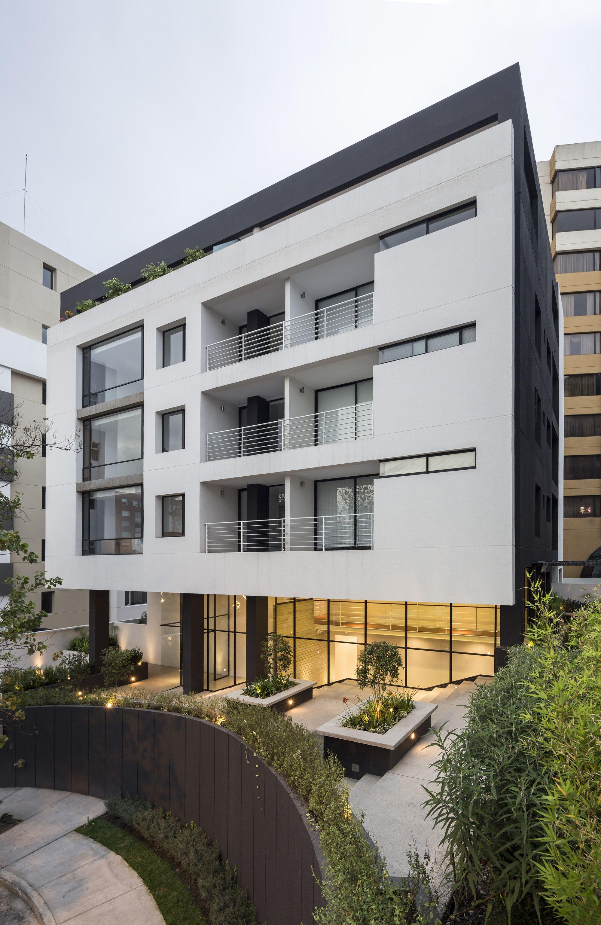 Gallery of Onyx Building / Diez + Muller Arquitectos - 10 ...