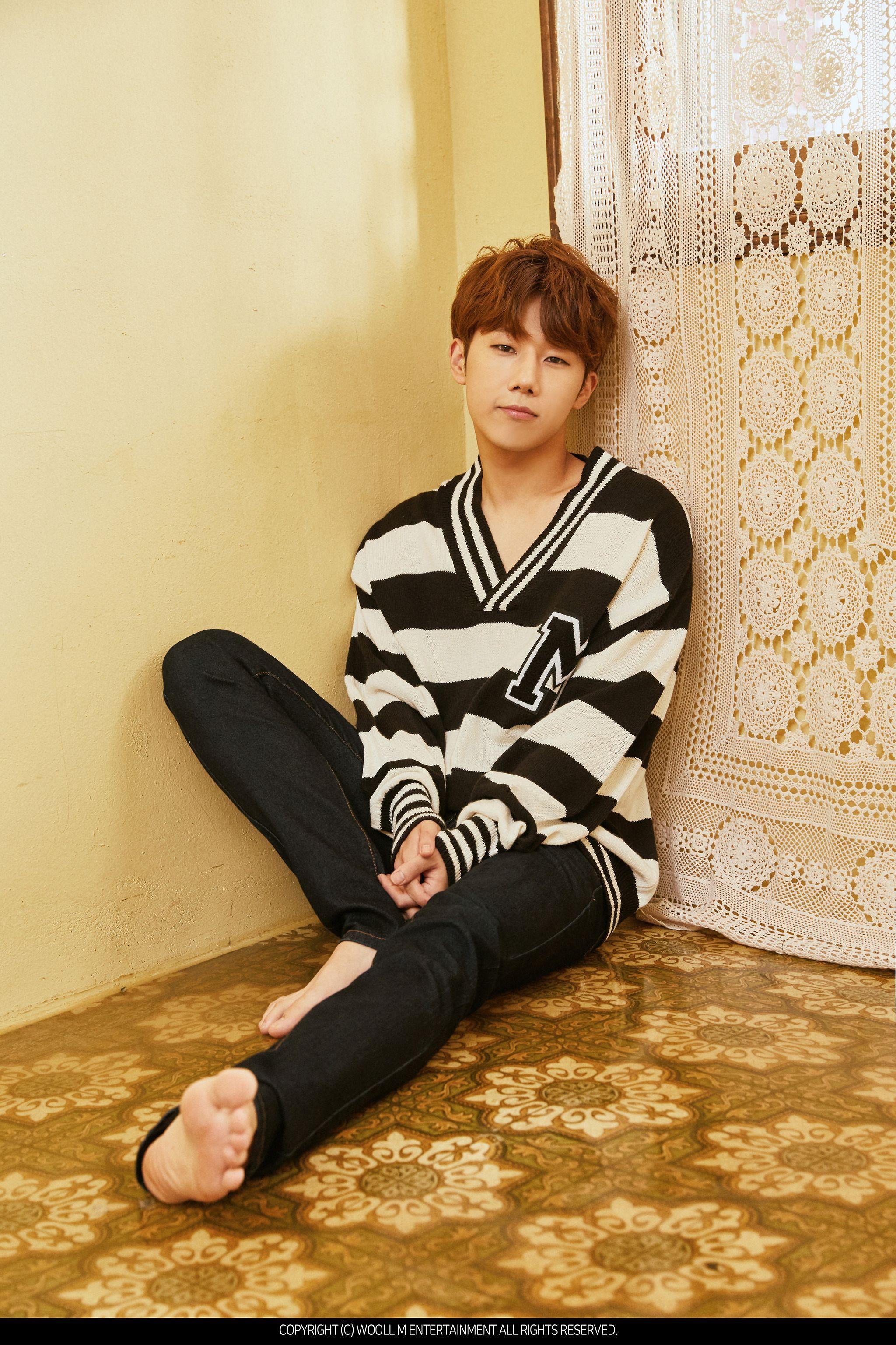 Kpop Idol Male Feet Fashion Male Feet Kim Sung Kyu