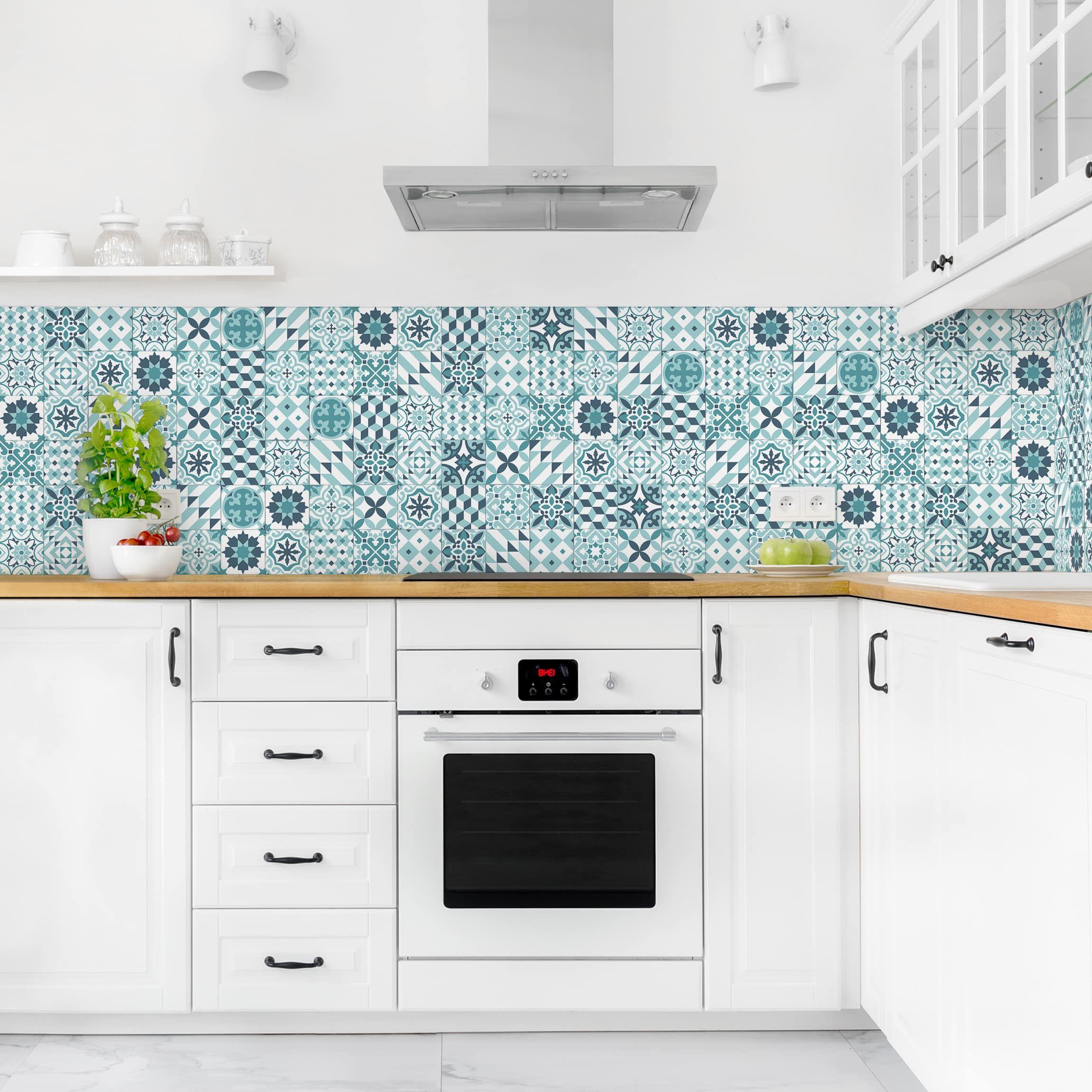 Kuchenruckwand Geometrischer Fliesenmix Turkis Wohnung Kuche