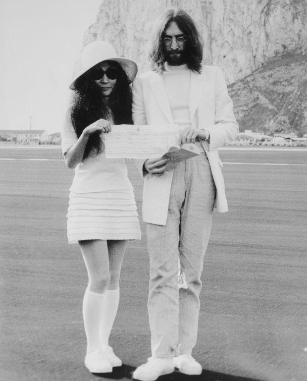 Yoko Ono and John Lennon boda