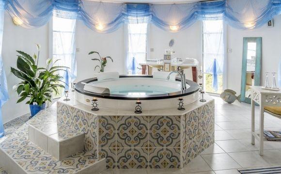 Le Spa de Cassagne avec piscine intérieure avec nage à contre
