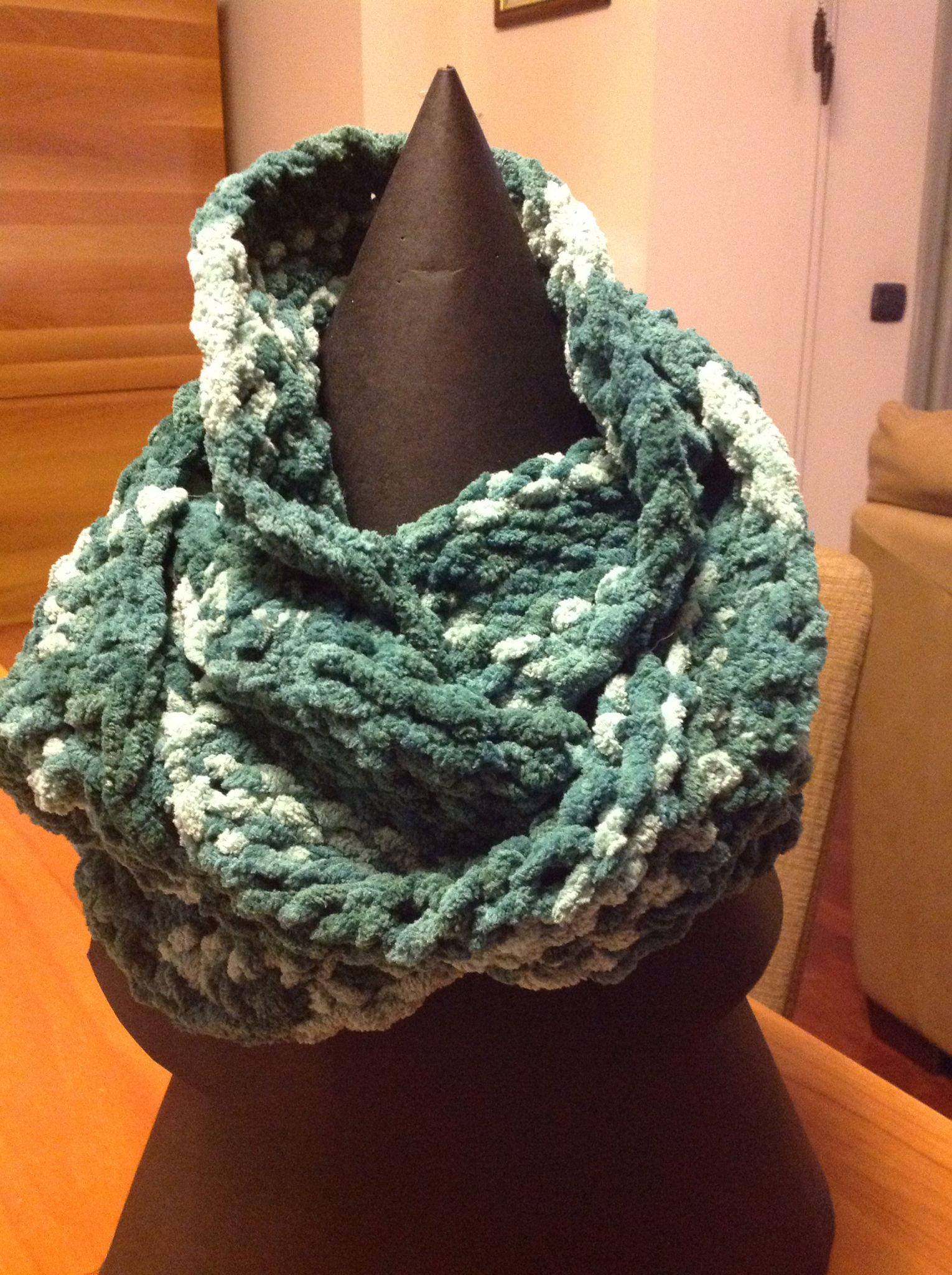 Sciarpa Ad Anello Lavorata Con Il Knitting Loom In Ciniglia Nei Toni Del Verde Scarf Fashion