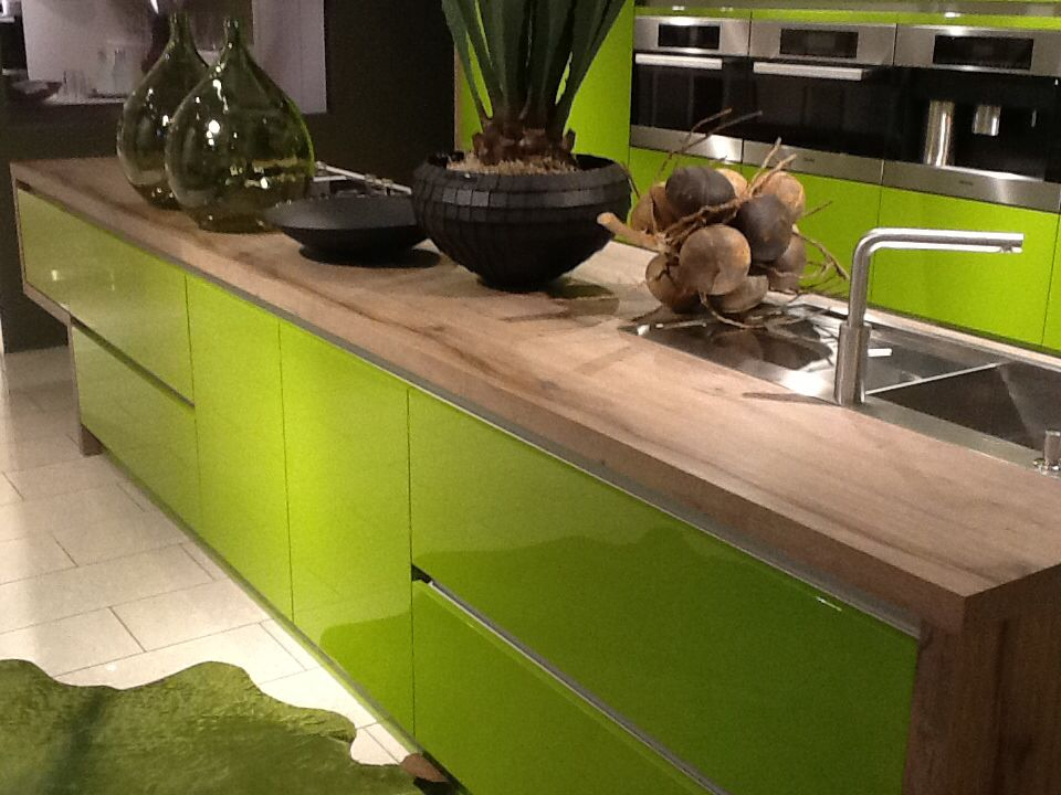 High Gloss Lacquer In Any Ral Color Kitchen Cabinets