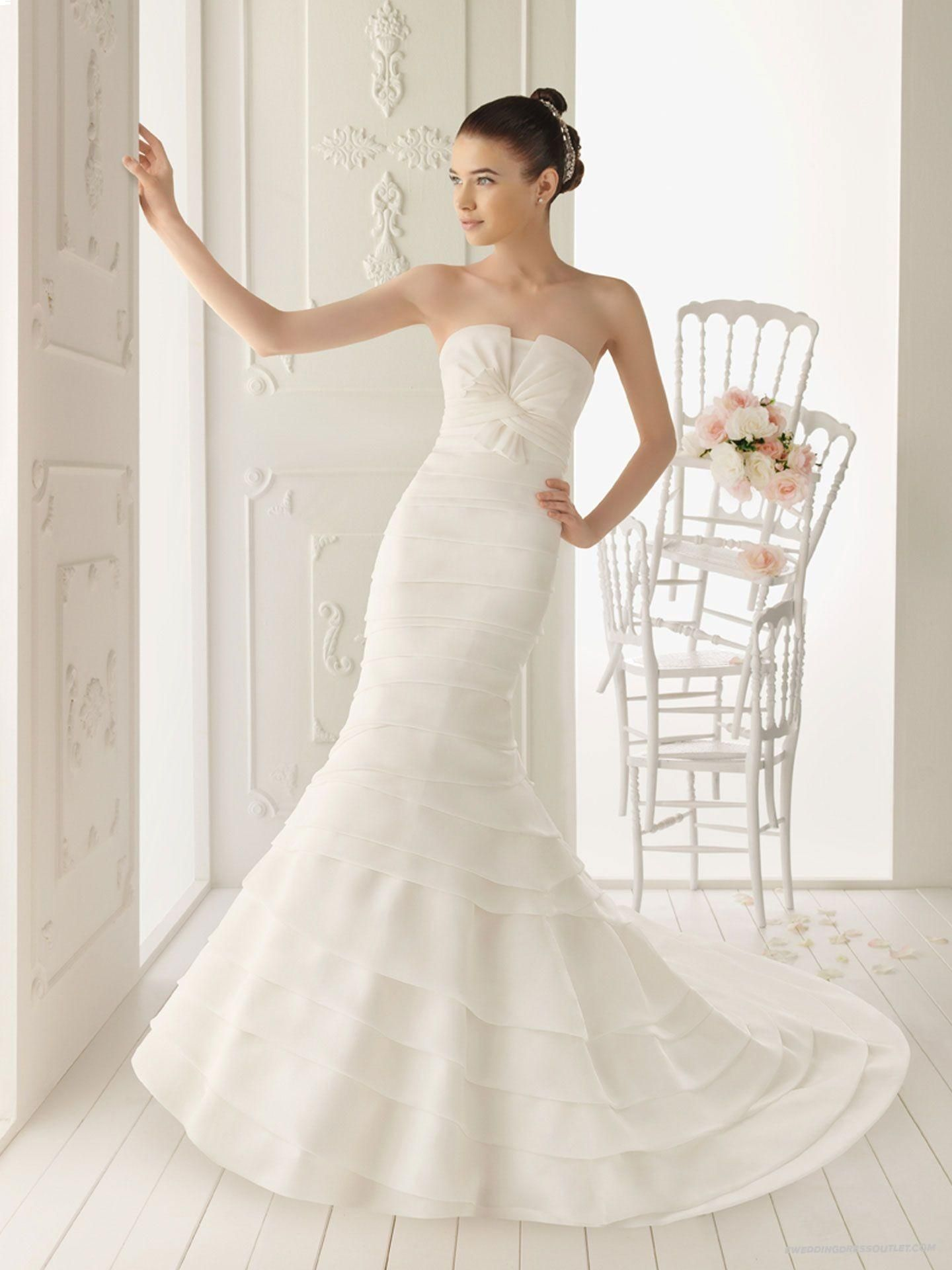 Trumpet style wedding dresses  Organza Mermaid Style with Twisted Bodice New Style Strapless