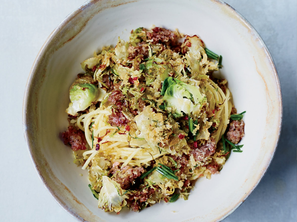 Spaghetti with Brussels Sprouts and Sausage Breadcrumb Topping #porksausages