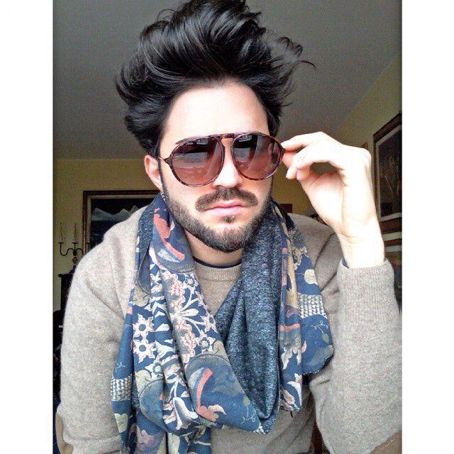 Occhiali firmati @wolfnoirsun . Sciarpa del Brand @antoniocloseup. Visitate il sito www.closeupparel.com per scoprire gli altri modelli di sciarpe e capi di abbigliamento #corvus88 #fashionblogger