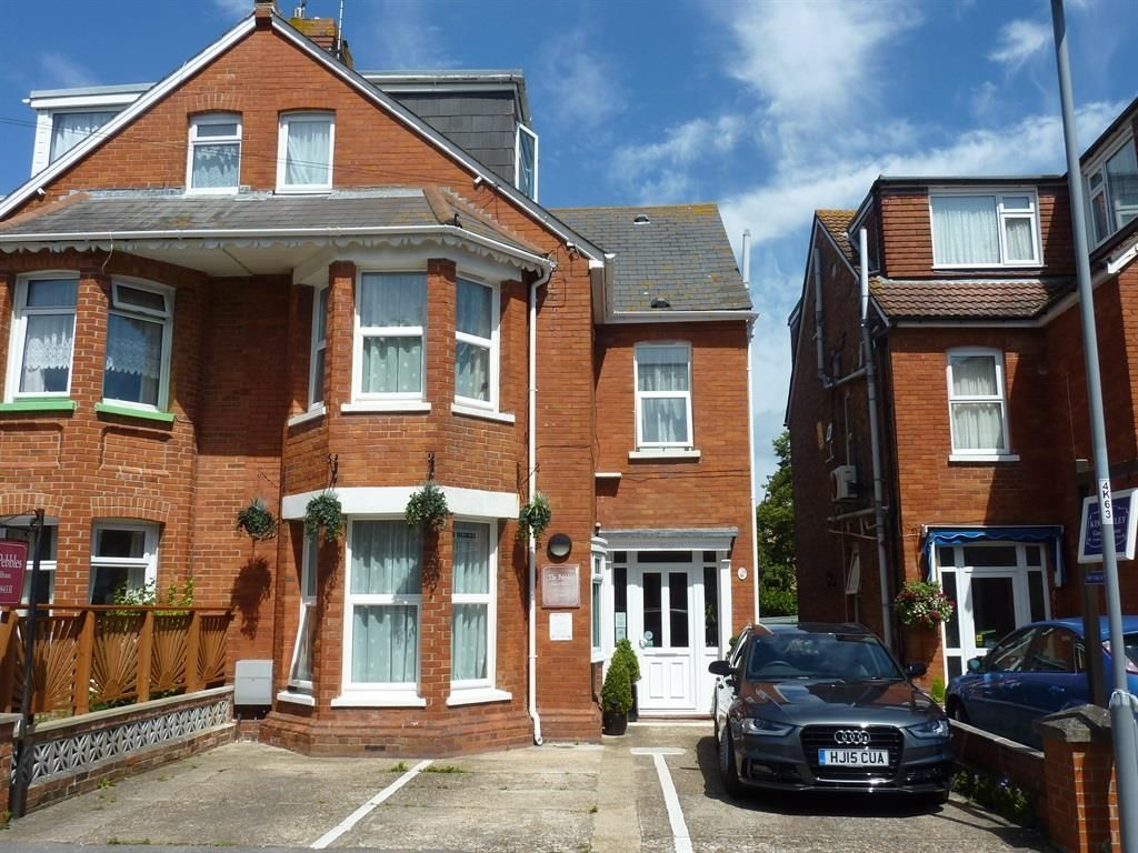 Kirtleton Avenue, Weymouth - 10 bedroom semi-detached guest