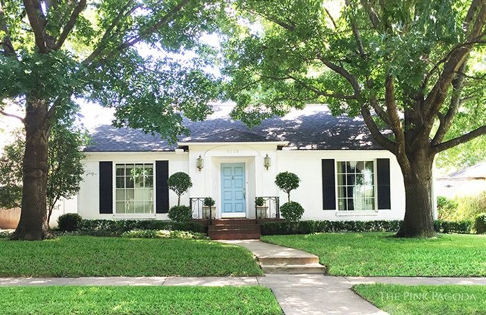 Blue And White Monday Curb Appeal Ranch House Exterior White Exterior Houses White House Black Shutters