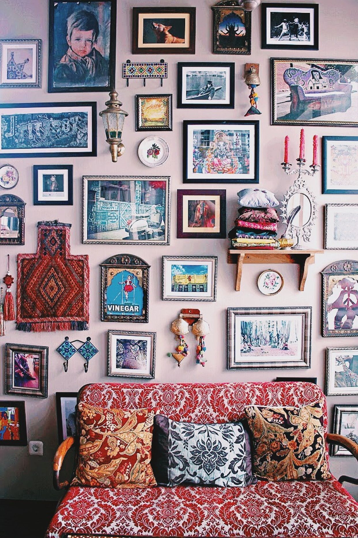 Bohemian style home décor has always been trendy, but it seems to have taken on a whole new level of popularity lately. And with good reason... the beautif #homedecor #decorideas