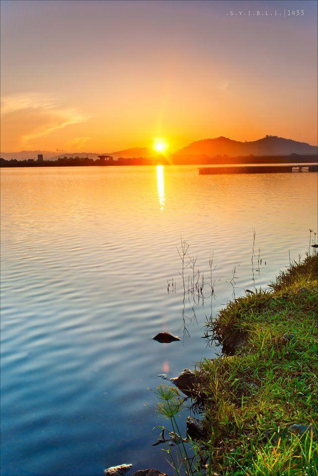 Jangan tak percaya!! Pandangan matahari terbit dari satu sudut terpencil di Putrajaya :)