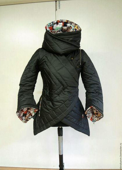 ba5b9cb494e Купить или заказать Тёплая стеганая куртка с яркой отделкой в интернет- магазине на Ярмарке Мастеров. Тёплая стеганая куртка (необычная стежка  ручной работы) ...
