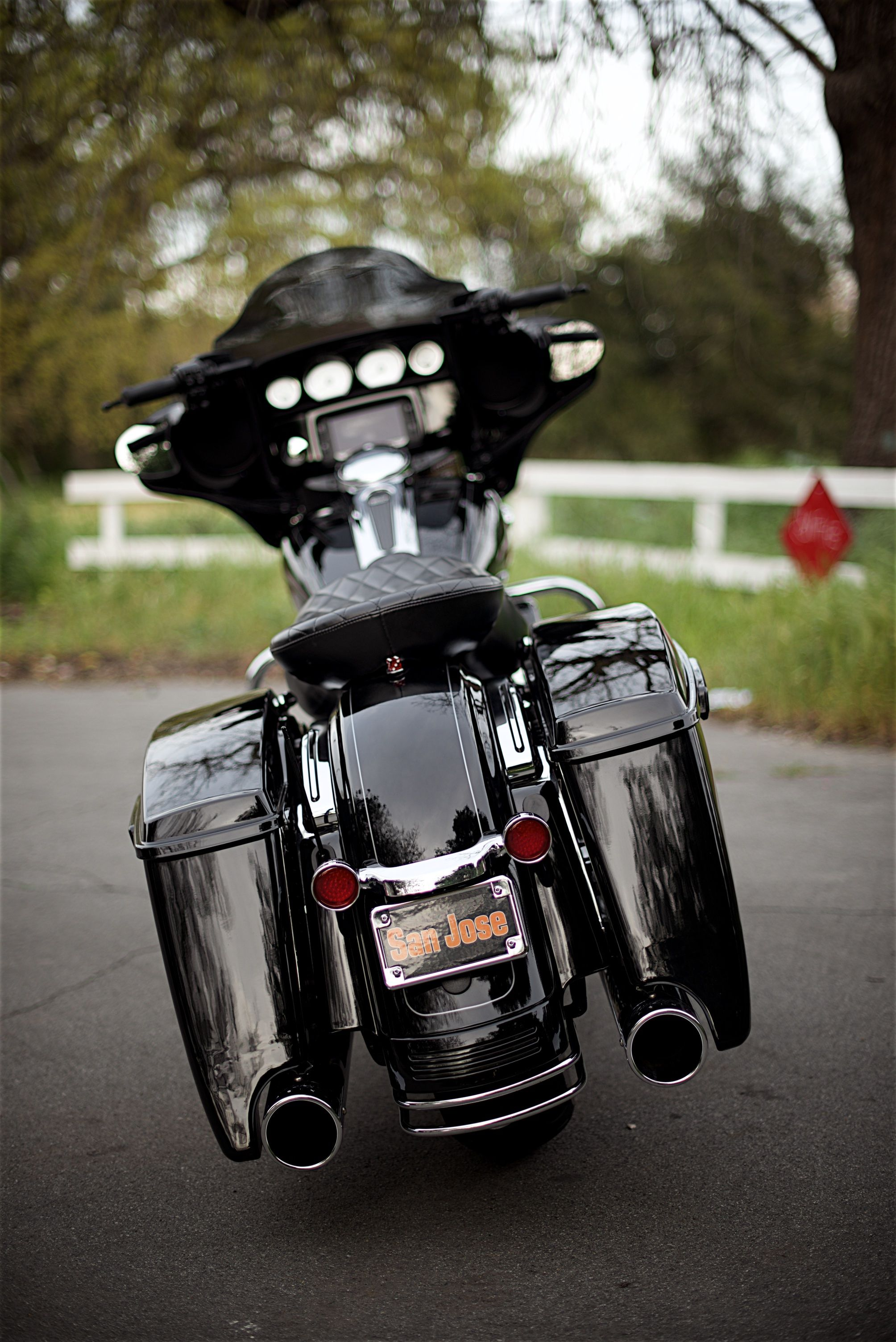 a dyna bagger extended bags custom rear fender trim. Black Bedroom Furniture Sets. Home Design Ideas