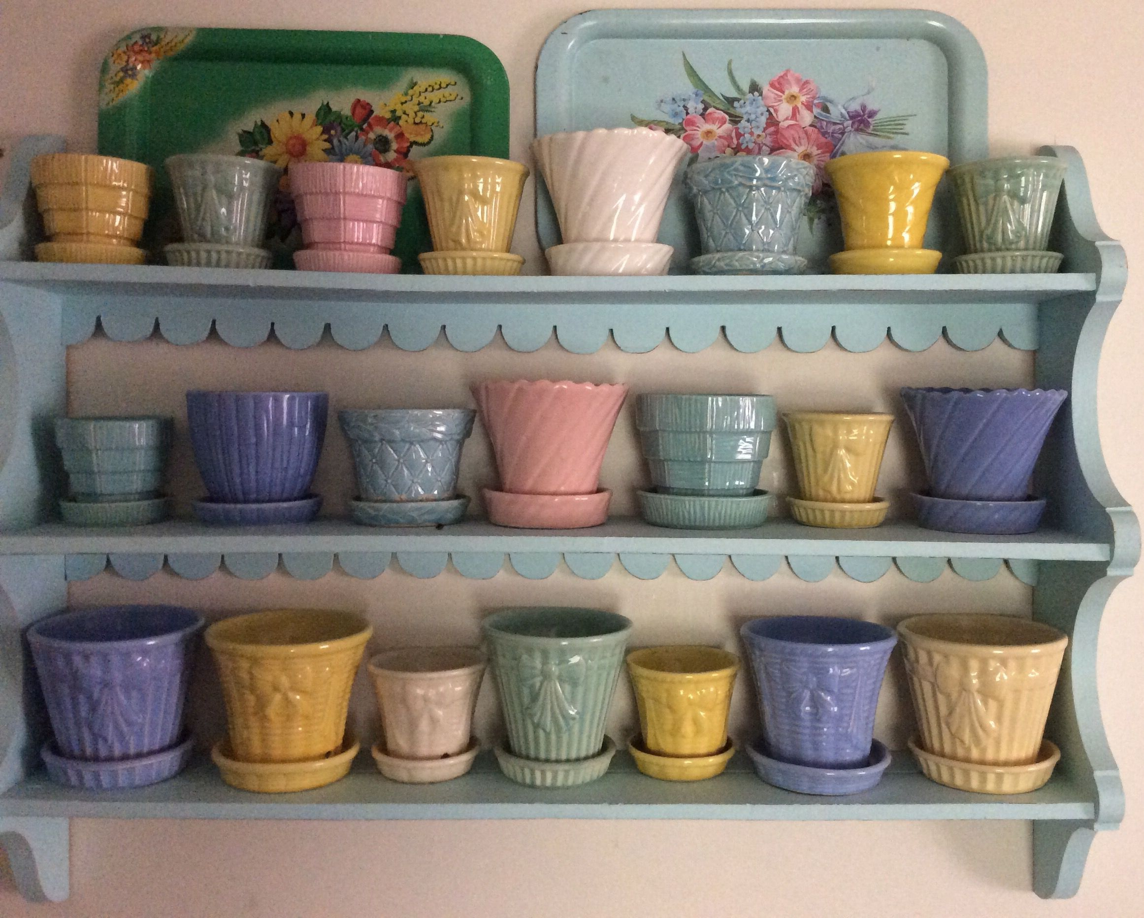 Pin By Kelly Gabriel On Vintage Pottery Love Pottery Display Mccoy Pottery Vases Vintage Flower Pots