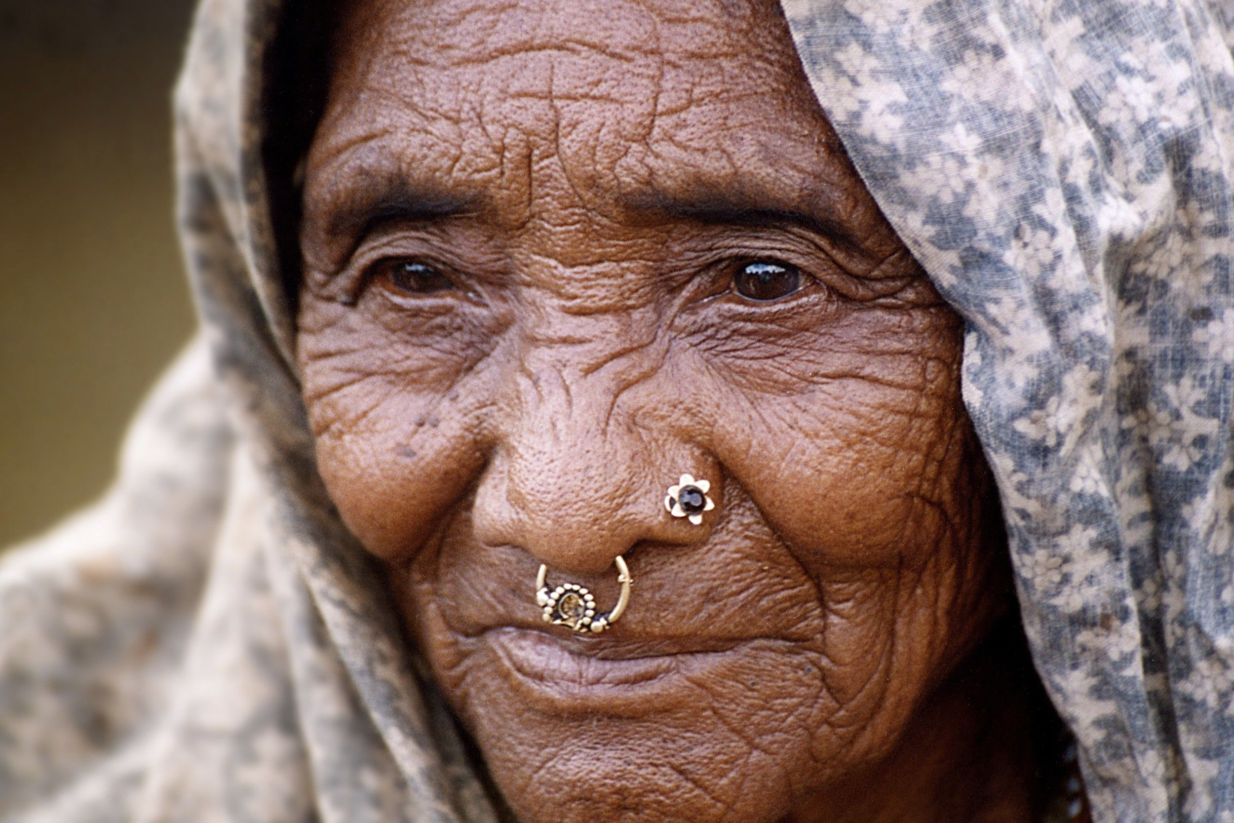 Tharu Woman Nepal Nepal People Columbus Travel Ladakh India