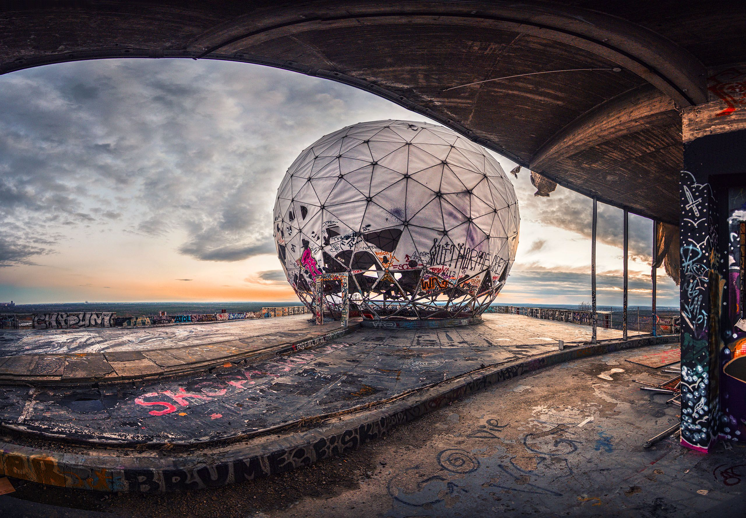 teufelsberg wahrscheinlich nur mit f hrungen favorite places spaces pinterest berlin. Black Bedroom Furniture Sets. Home Design Ideas
