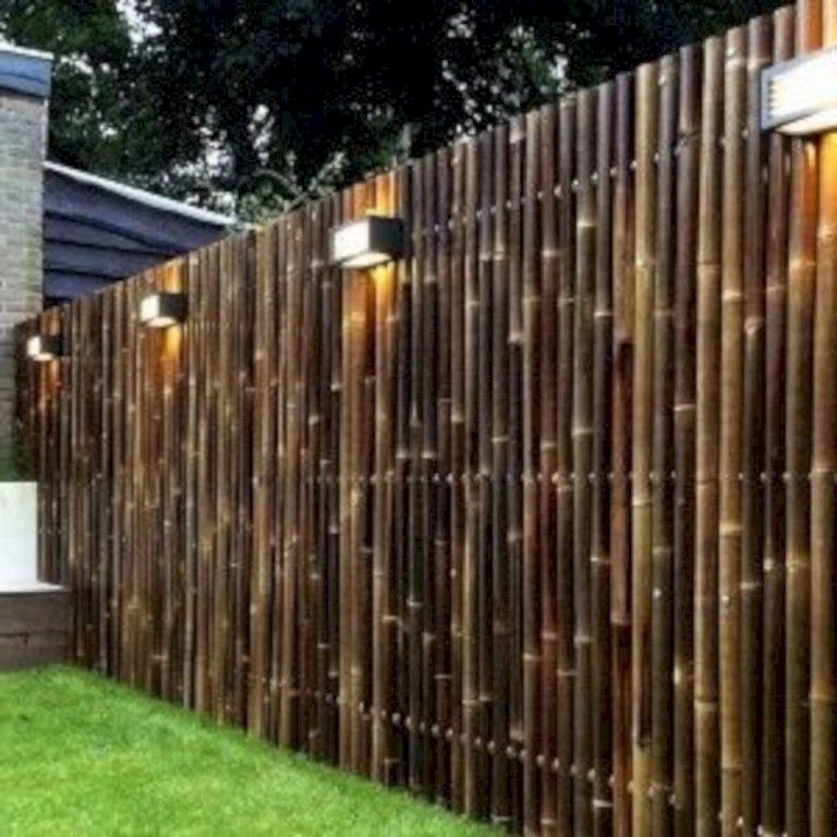 15 Exciting Bamboo Fence Ideas For Residential House Homedecorideas Homedecoraccessories Homedec Privacy Fence Landscaping Bamboo Fence Bamboo Garden Fences
