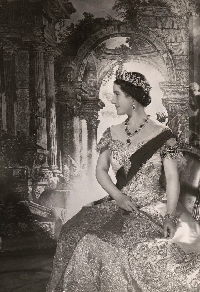 1937 Official Coronation Photograph. Royal Jewels of the