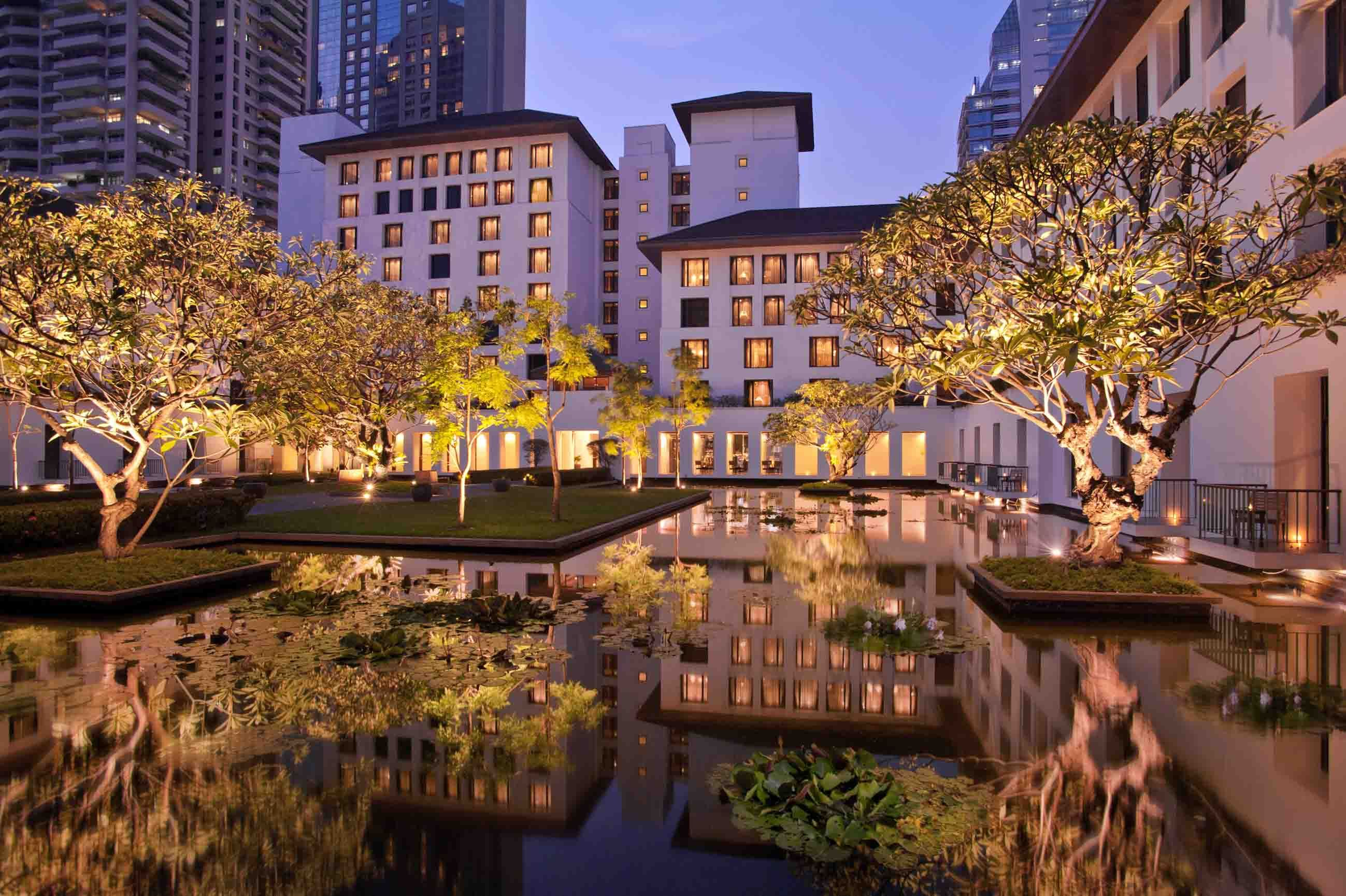 siam kempinski hotel u2013 garden courtyard night http www
