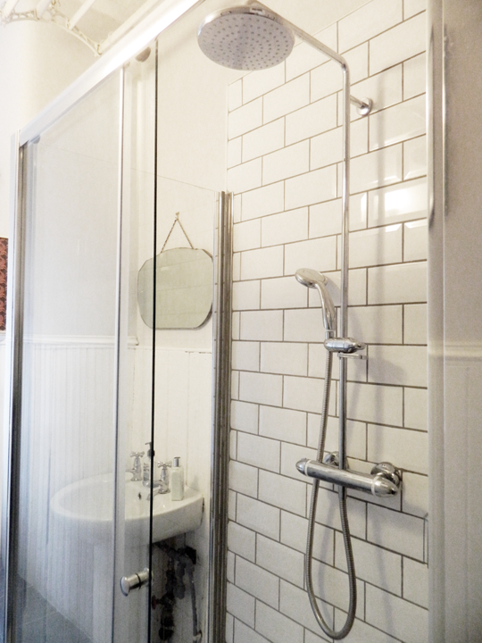 Before & After: Narrow Glasgow Bathroom Gets Gutted