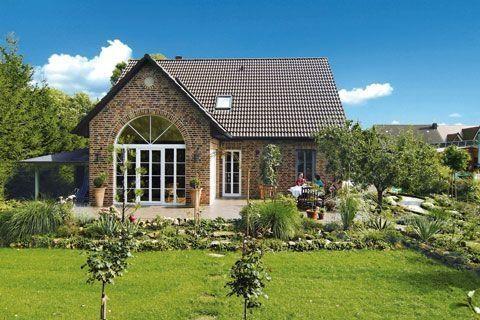 Haus Landhausstil modern – Google-Suche (Veranda Garten) – Dekoration Trends Website   – Mama&Papa Hausideen