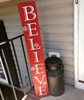 This gorgeous, Christmas front porch sign would look so magical ...