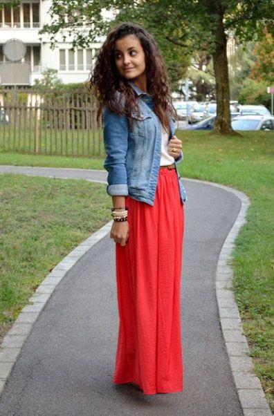258f6a1793 Cómo combinar maxi skirts o faldas extra largas