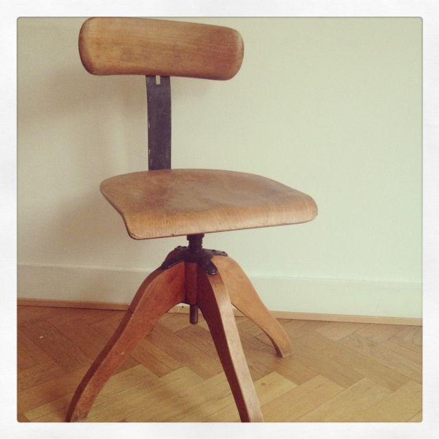 Wooden desk chair by Bauhaus - http://www.myexboyfriend.info