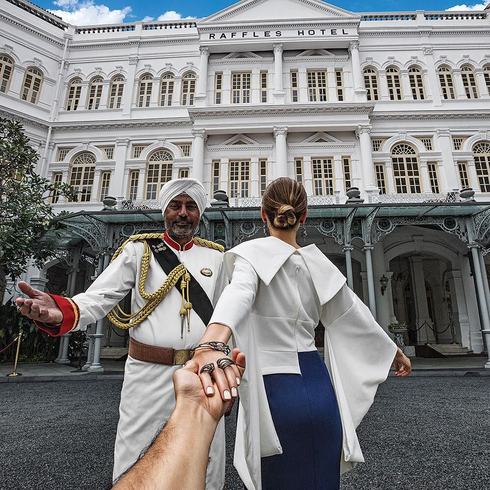 #followmeto with @natalyosmann in Singapore. Its a story about a man who made himself a legend. Opened since 1887 you cannot miss the beautiful Raffles Hotel when you @visit_singapore #SingaporeInvites by muradosmann