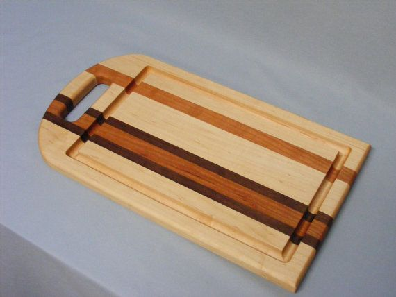 Medium Round Handle Cutting Board