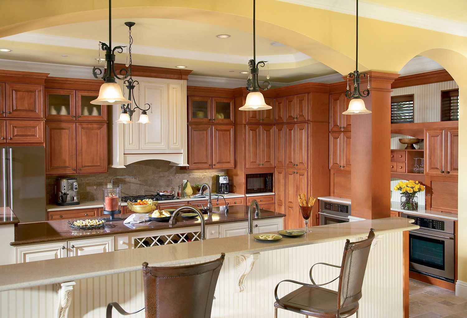 Sierra Vista Maple Cognac Kitchen | Timberlake Cabinetry | Our ...