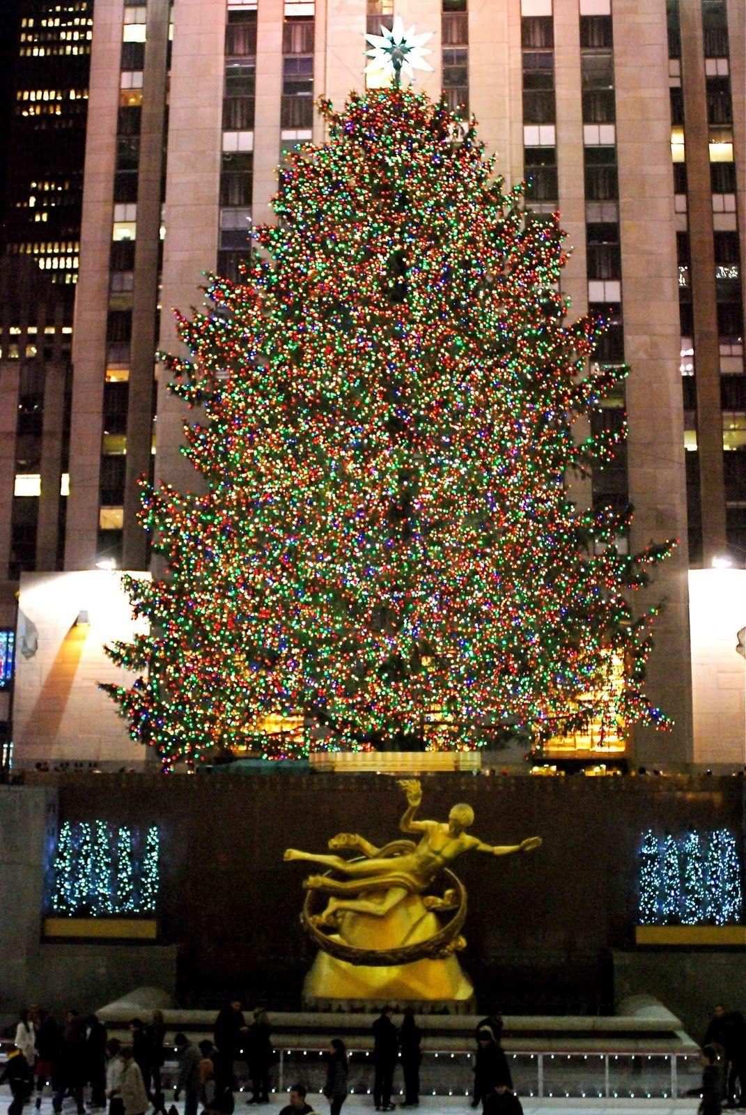 Rockefeller Center, home of the official New York City Christmas ...