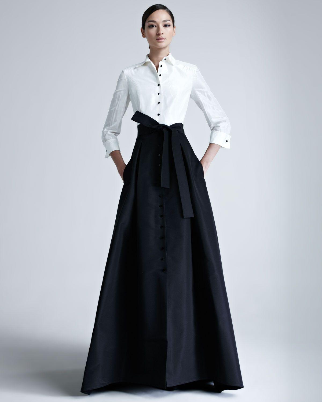 Carolina Herrera evening gown in two-tone silk taffeta. Approx ...