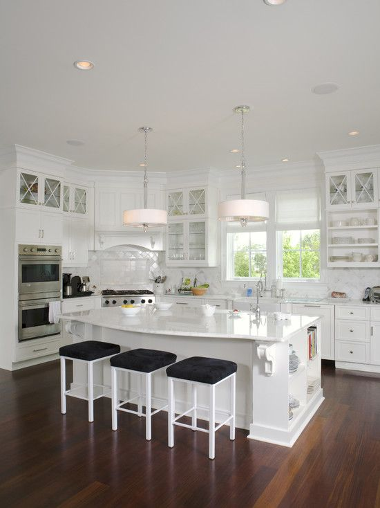 Kitchen corner stove design pictures remodel decor and for Kitchen designs with corner windows