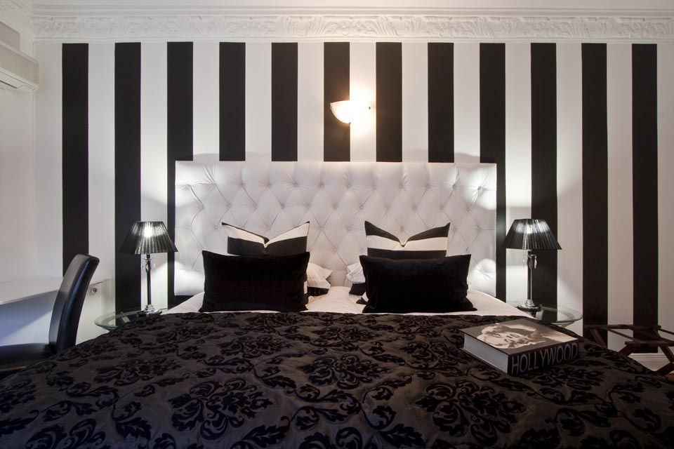 black white decoration ways to your bedroom | Bold in Black Photos by Grant Pitcher | Hollywood glamour ...