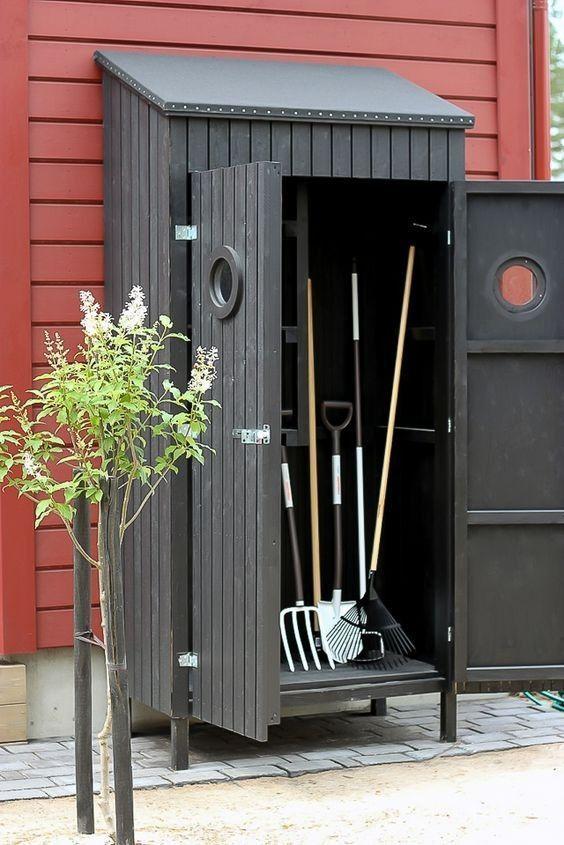 On The Legs Like A Wardrobe Beinen Kleiderschrank Trend Garden Decoration Garden Tool Shed Diy Shed Plans Garden Tool Storage