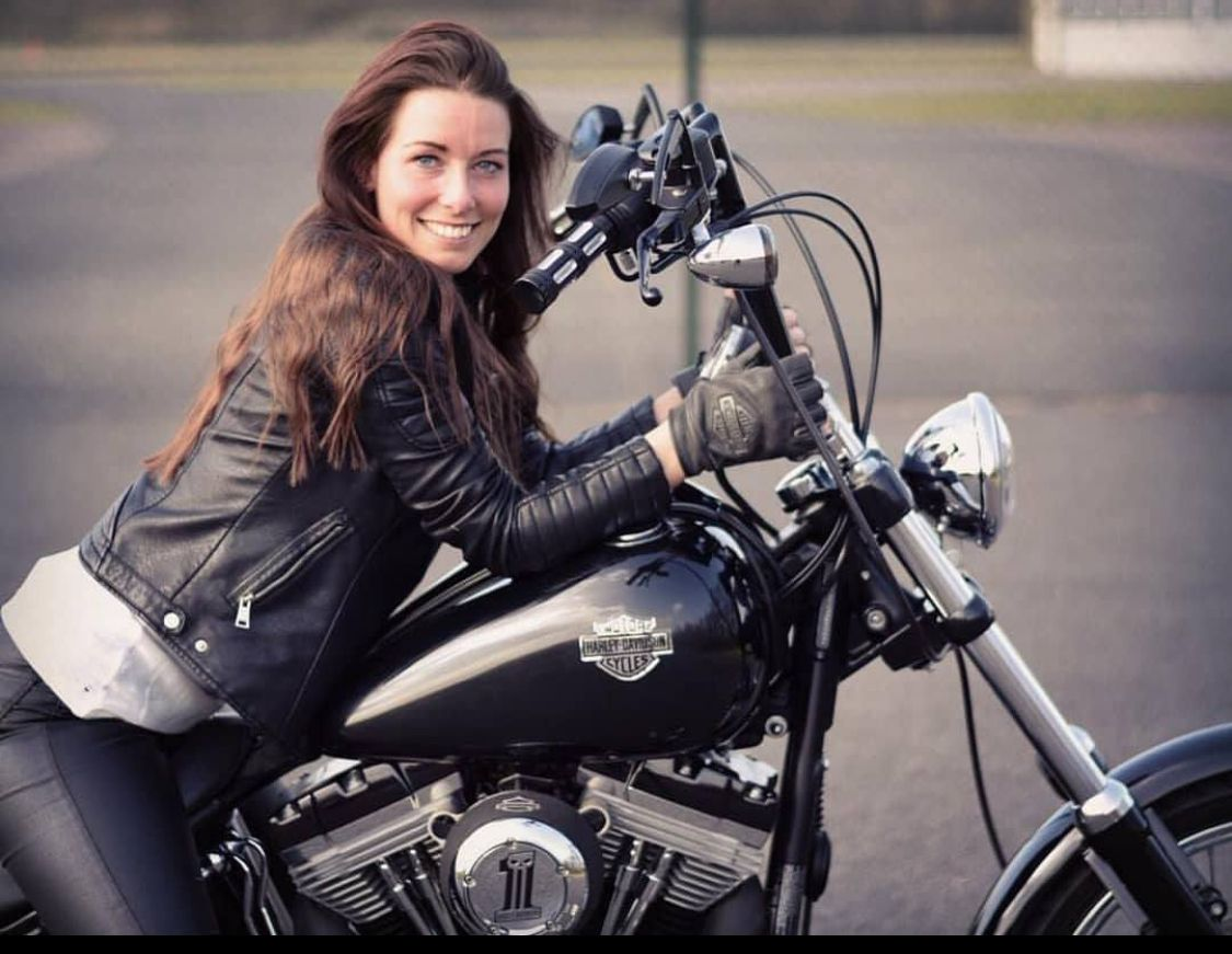 Pin by sonia yaman on Girls and motorcycles   Biker girl