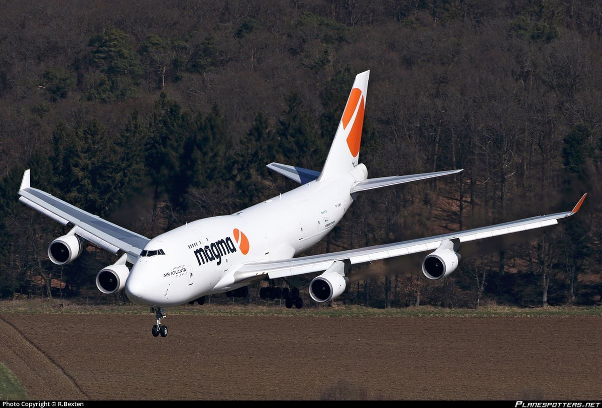 Magma Aviation Boeing 747481BCF TFAMP on final approach
