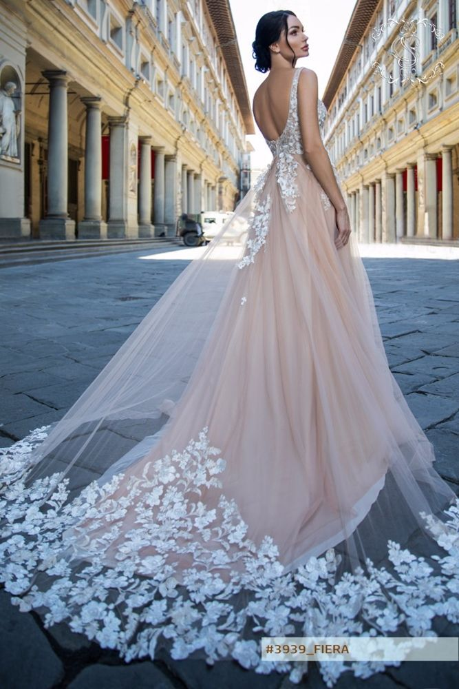 Wedding Gown Guide: Colorful Bridal Gowns | The FashionBrides ...