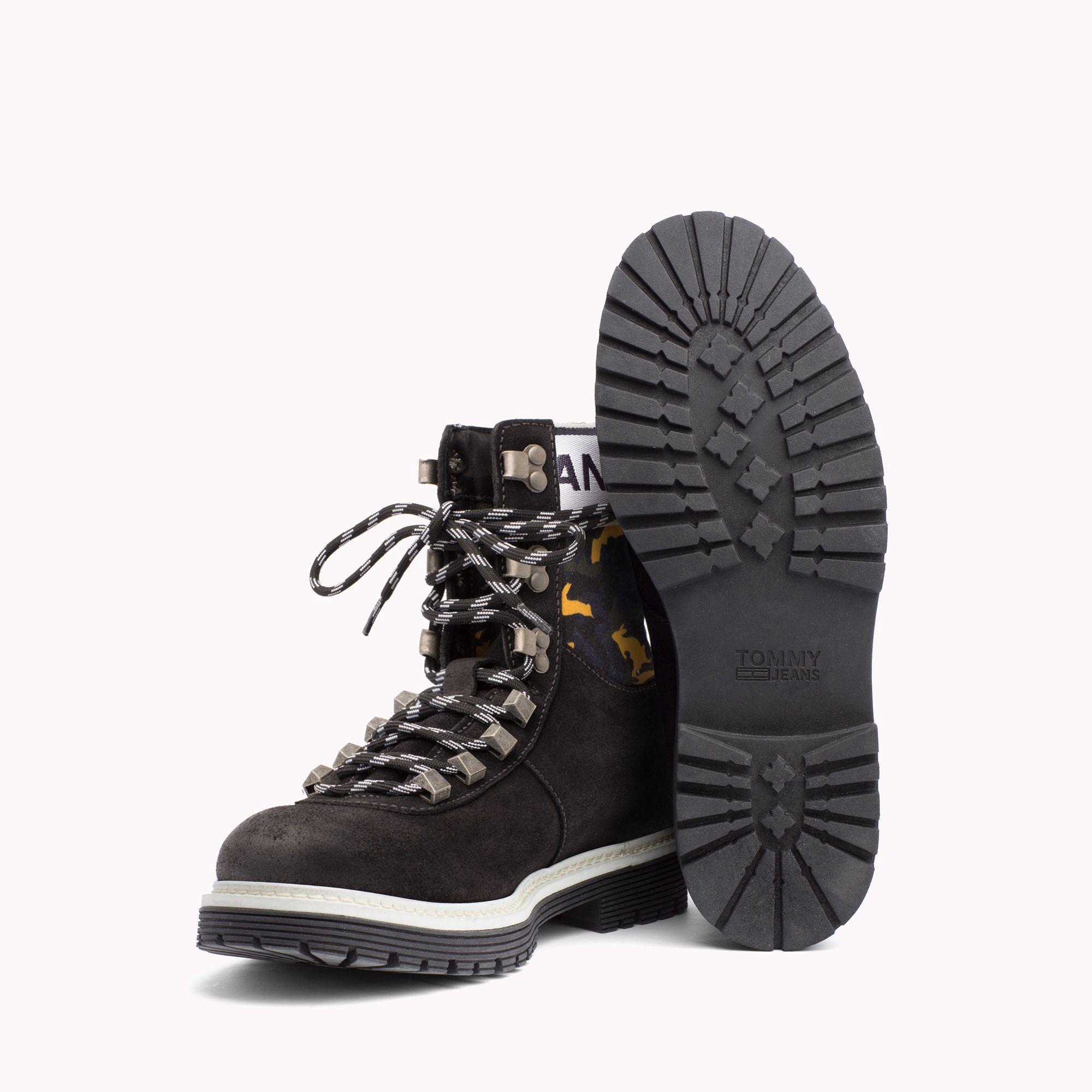 0b1d7cdd35672 Tommy Hilfiger Jeans Rabbit Camo Hiking Boot - 11.5