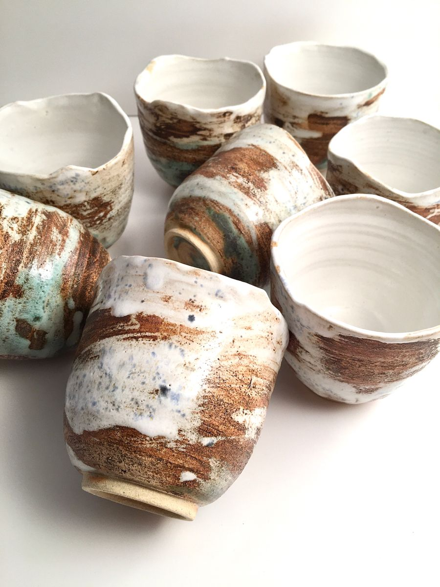 I was mainly involved in sculpture throughout 2019, but the last stuff that came out of the kiln were cups! ☕️ These are the most beautiful mugs I've ever made. #mugs #ceramicart #ceramica #ceramiclife #ceramicmug #ceramiccup #wheelthrownceramics #wheelthrownpottery #wheelthrownceramics  #ceramics #ceramic #mug #rawceramics #herstories #martawlazlinska #martawlaźlińska #clay #modernceramics #pottery #pottery_lovers #potterydesign #pottersofinstagram #potter